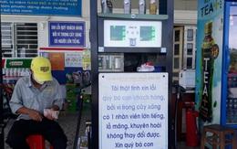 """Cận cảnh cây xăng có các slogan """"độc nhất vô nhị"""" ở An Giang"""