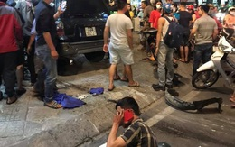"""TP.HCM: Ô tô """"điên"""" tông hàng loạt xe máy tại giao lộ, nhiều nạn nhân bị thương khiến người đi đường kinh hãi"""
