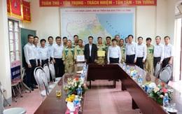 Chủ tịch HĐTV EVNNPT trao 500 triệu hỗ trợ nhân dân tỉnh Hà Tĩnh bị thiệt hại nặng nề do mưa bão