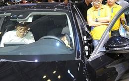Tồn kho tăng cao, ô tô giảm giá trăm triệu đẩy hàng cuối năm
