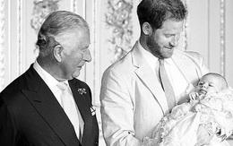 Thái tử Charles buồn vì hơn một năm không được gặp Archie