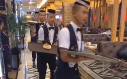 Dân tình chóng mặt với cách phục vụ có 1-0-2: Nhân viên đi giày trượt đưa đồ ăn bằng tốc độ 'ánh sáng', coi mà chỉ sợ đổ!