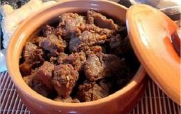 Thứ tuyệt đối không cho vào món bò kho nếu không muốn thịt mất vị, có khi phải bỏ đi cả nồi