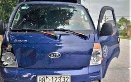 Tài xế xe tải rời hiện trường khi tông 2 nữ sinh