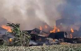 Hà Nội: Cháy lớn gây thiệt hại khoảng 10 xưởng gỗ tại Thạch Thất