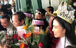 Loạt ảnh nhan sắc Hoa hậu Đỗ Thị Hà qua camera thường trong ngày trở về quê