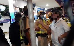 TP.HCM: Bị đo nồng độ cồn, nhiều người dân say xỉn cự cãi, chống đối với CSGT