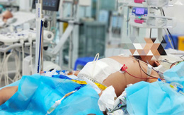 Bé 9 tuổi bị cô đặc máu, nguy kịch vì sốt xuất huyết