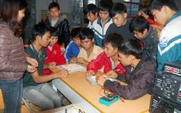 """Tránh """"bẫy thu nhập trung bình"""" và bài toán tận dụng lợi thế """"dân số vàng"""" ở Việt Nam"""