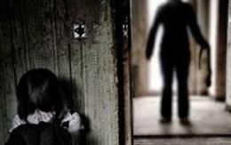 Bắt giam người đàn ông giao cấu với con riêng của nhân tình dẫn đến có thai, sinh con