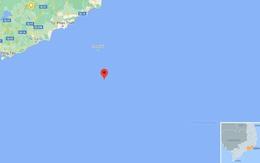 Hai nhân viên trạm hải đăng bị sóng cuốn mất tích