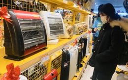 Hà Nội rét đậm, dân đổ xô đi mua thiết bị sưởi