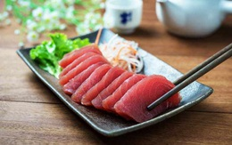 6 mối nguy tiềm ẩn có thể xảy ra khiăn đồ sống như sushi, sashimi