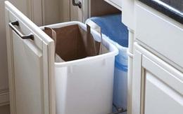 Nếu bạn đang đặt thùng rác trong tủ bếp thì hãy đưa ra ngay vì 7 lý do sau