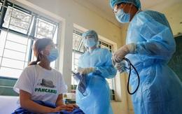 MỚI: Nâng gấp đôi mức phụ cấp cho y, bác sĩ trực tiếp khám, điều trị COVID-19