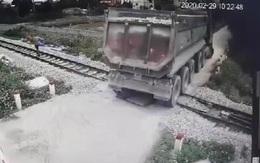 Bộ trưởng Bộ GTVT viết thư khen nhân viên gác chắn cứu đoàn tàu