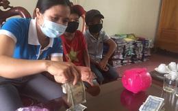 """Hà Tĩnh: Học sinh lớp 3 mổ """"heo nhựa"""" lấy tiền tiết kiệm ủng hộ phòng chống COVID-19"""
