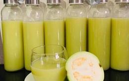 Nước ép hoa quả giá rẻ tràn chợ, bán cả lít vừa uống vừa lo