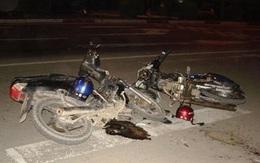 Hai xe máy đâm nhau, 3 người thương vong
