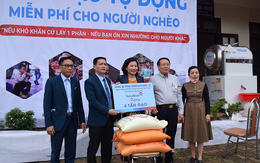 """""""Ngân hàng gạo nghĩa tình"""" của VietinBank đến với người nghèo TP. HCM"""