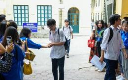 Thí sinh Hà Nội vui mừng vì đề thi Toán vào lớp 10 vừa sức, tự tin đạt điểm cao