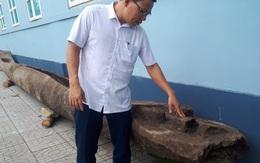 Hà Tĩnh: Phát hiện 2 chiếc thuyền độc mộc cổ dưới lòng sông