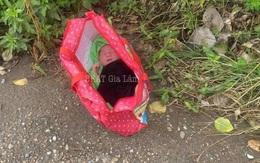 Hà Nội: Bé trai còn nguyên dây rốn bị bỏ lại ven đường