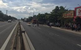Hà Tĩnh: Điều khiển xe máy va chạm với container, một người phụ nữ tử vong tại chỗ
