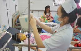 Ngừng cung cấp bánh su kem, xét nghiệm mẫu nước sau vụ hàng loạt học sinh tiểu học nghi ngộ độc