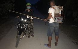 Ngang nhiên mang xung kích điện chặn đường phụ nữ để cướp tài sản