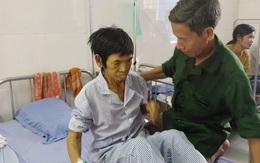 """Nín thở chờ đợi điều kỳ diệu đến với cụ ông nhiều """"không"""" ở xã miền núi Tuyên Quang"""