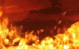 Cháy lớn căn nhà trong đêm ở Bà Rịa – Vũng Tàu, 2 mẹ con bị bỏng nguy kịch