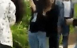 Nữ sinh bị nhóm bạn hành hung giữa cánh đồng