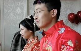 """Hơn 3,6 triệu người theo dõi """"hôn lễ online"""" kéo dài gần 1 tiếng đồng hồ, cô dâu chú rể bỗng chốc nổi tiếng trên mạng xã hội"""
