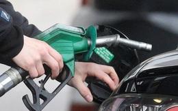 Giá dầu thấp nhất lịch sử nhưng đừng mong mua xăng miễn phí