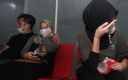 Người thân bật khóc mong tìm được thi thể những hành khách trên chuyến bay xấu số gặp tai nạn vào ngày 9/1