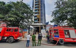 TP.HCM: Cháy công trình xây dựng toà nhà cao tầng, 3 người bị mắc kẹt kêu cứu