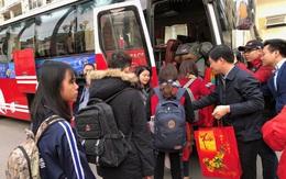 Sinh viên nghỉ Tết cả tháng, nhiều hoạt động hỗ trợ sinh viên vùng bão lũ