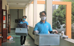 Hình ảnh sinh viên ĐH Hàng Hải Việt Nam thu dọn khu nội trú phục vụ cách ly tập trung