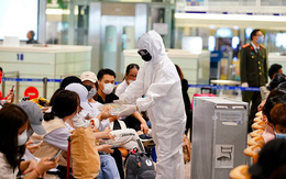 Hà Nội khẩn trương lấy mẫu xét nghiệm tất cả các trường hợp còn sót ở sân bay Nội Bài, trong ngày 30 Tết