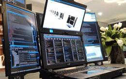 Siêu laptop có 7 màn hình, nặng gần 12 kg