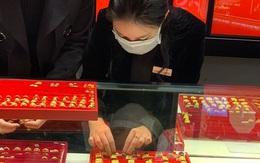 Các tiệm kim hoàn kích cầu khách mua online trong ngày Vía Thần Tài