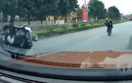 Nghệ An: Triệu tập đối tượng bốc đầu xe máy trên quốc lộ