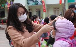"""Hà Nội trở lại trạng thái """"bình thường mới"""": Học sinh đến trường, quán xá nhộn nhịp"""