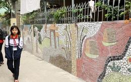Giữa Thủ đô có một ngôi làng tranh ghép từ phế liệu đẹp nao lòng