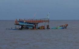 Tàu cá Quảng Bình chìm trên biển do va chạm với tàu chở hàng