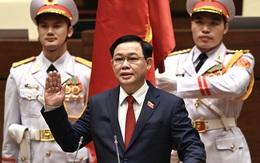 Trước cờ đỏ sao vàng thiêng liêng, Chủ tịch Quốc hội Vương Đình Huệ tuyên thệ nhậm chức