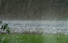 Miền Bắc mưa lớn, cảnh báo lốc, sét, mưa đá ở vùng núi