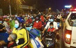 Sáng 01/10: Hàng trăm người dân dồn ứ tại cửa ngõ TP.HCM; công bố hướng dẫn đi lại trên toàn quốc