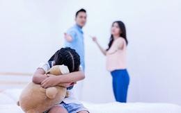 Chồng hàng ngày vô tâm với vợ con thì ra đang cố tình che dấu sự thật đau khổ suốt 10 năm
